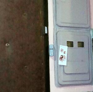 Расклейка листовок на этажах